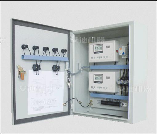 控制柜的分类有很多,有电气控制柜、变频控制柜、低压控制柜、高压控制柜、水泵控制柜、电源控制柜、防爆控制柜、电梯控制柜、PLC控制柜、消防控制柜、砖机控制柜等等。 控制柜的主要结构特点有以下几点: 1、技术先进:采用了PLC使设备根据供水和消防要求实现智能化恒压变量供量供水; 2、高效节能:系统能按需设定压力,系统根据设定的压力自动调节水泵转速和水泵运行台数,使设备运行在高效节能的最佳状态; 3、供水压力稳定:系统实现闭环控制,能自动调节设定压力和系统压力的差值,使压力保持恒定; 4、操作稳定:系统由变频